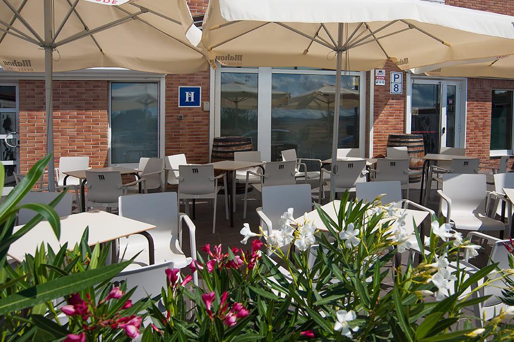 hostal-izaga-terraza-navarra (3)